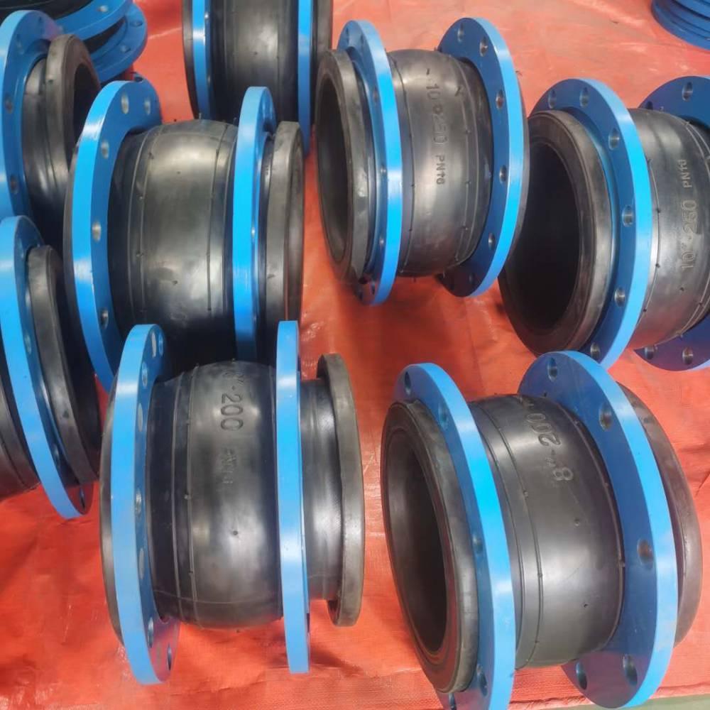 供应宁夏DN1100 0.6KG脱硫管道用耐磨橡胶膨胀节发货快
