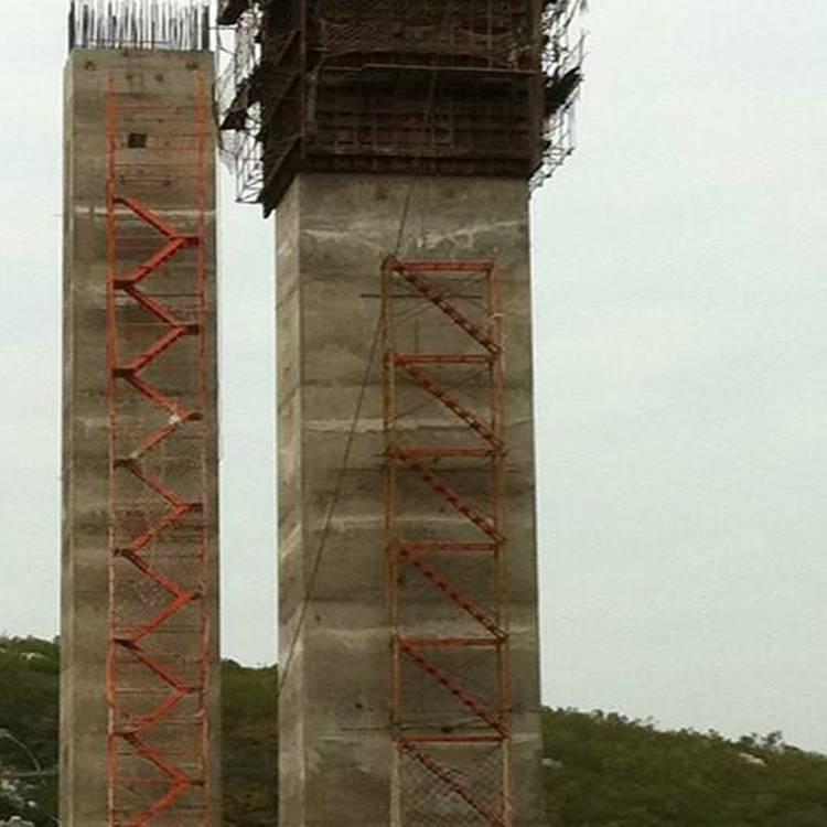 高空安全爬梯法兰式圆柱钢管梯笼宏祥批发加工