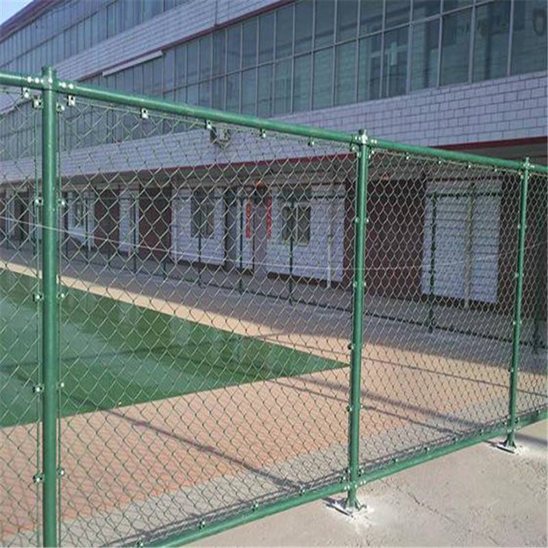 体育场专用防撞勾花网 厂家供应勾花护栏 运动场护栏