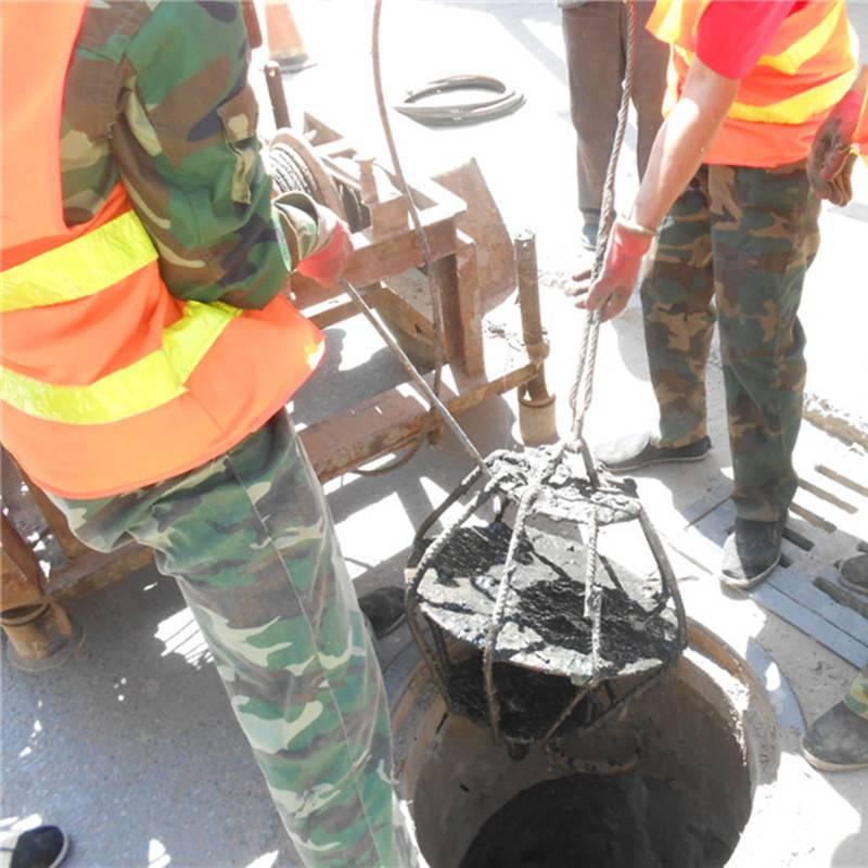焦作小型污水井清淤机械设备 自动化 洪鑫污水井口抓泥设备销售