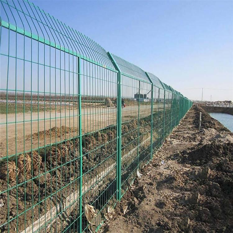 双边丝隔离护栏网 双边护栏网片 高速隔离网施工方案