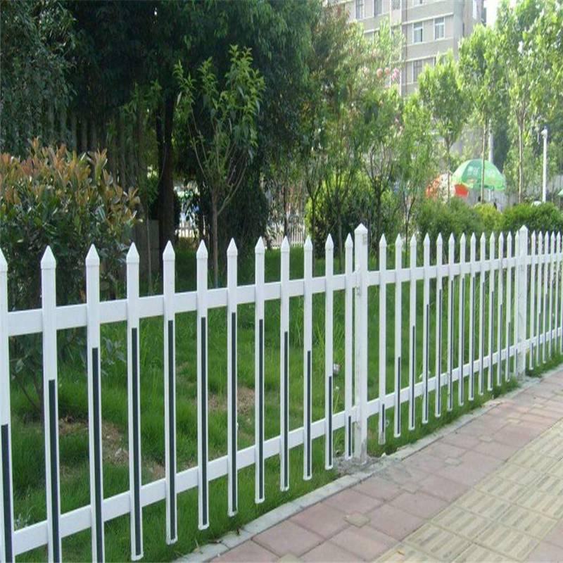 新农村建设小栅栏 小区隔离栏杆 pvc草坪围栏图片