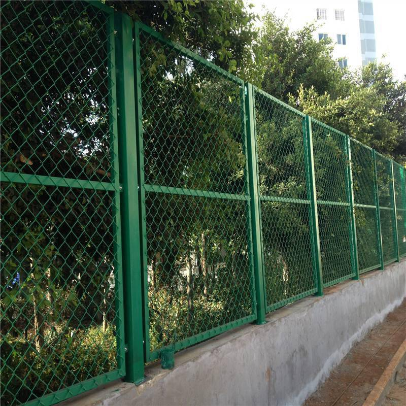 公路护栏网供应 小区护栏网厂家 安平隔离网