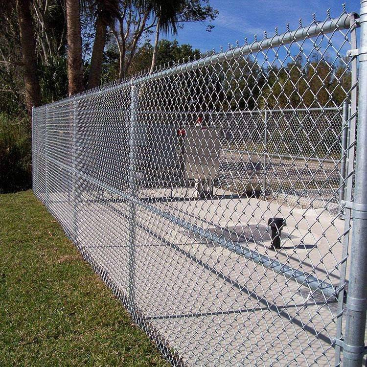 绿化勾花网 学校操场铁丝网 护栏网厂家定做