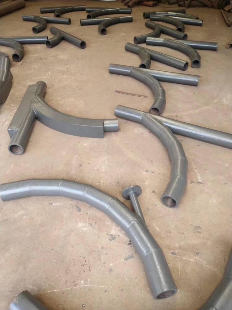 325陶瓷复合弯头耐腐蚀技术先进,工艺完善