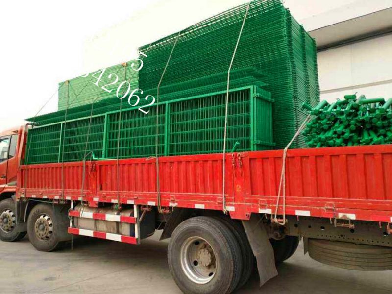 振兴厂家生产浸塑双边丝护栏网围栏网