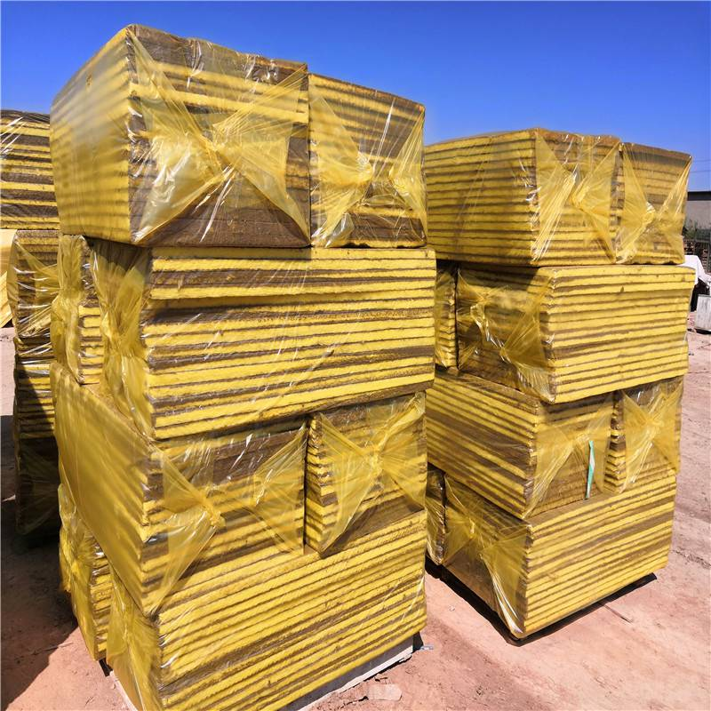 优惠价格玻璃棉复合板 屋顶保温外墙玻璃棉