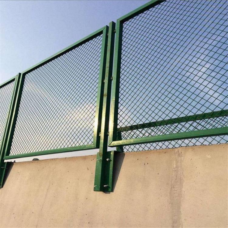 惠州公路防护网 东莞边框隔离网 佛山市政道路护栏网价格