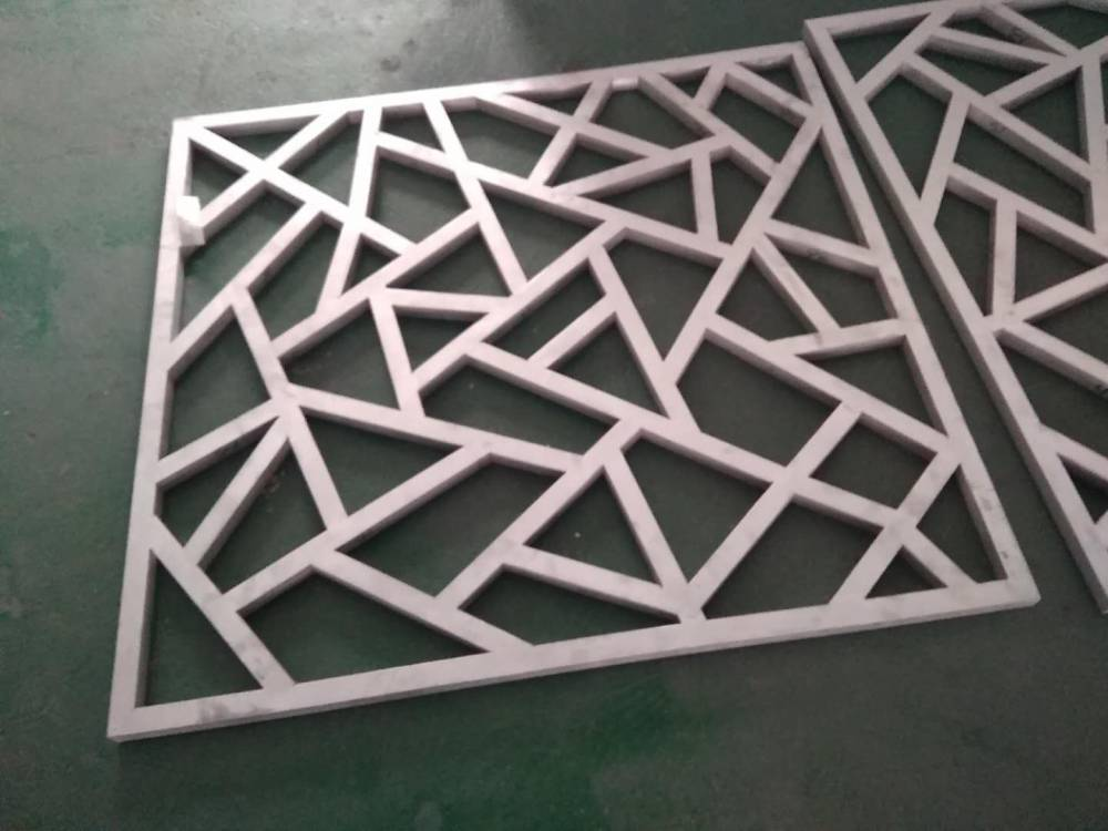 仿木纹铝花格 木纹铝窗花 镂空铝窗花厂家