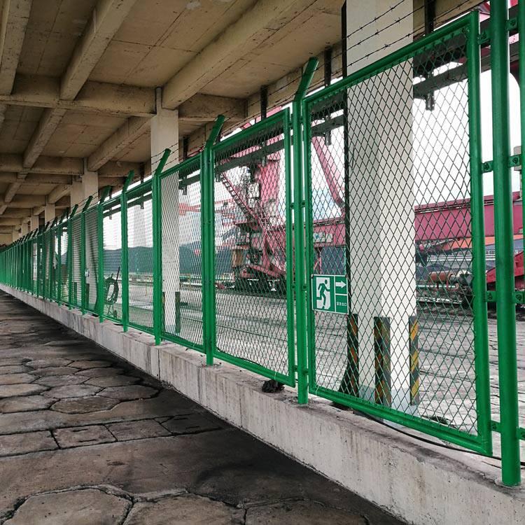 惠州包胶勾花网护栏 湛江养殖场编制网 珠海厂区防护丝网