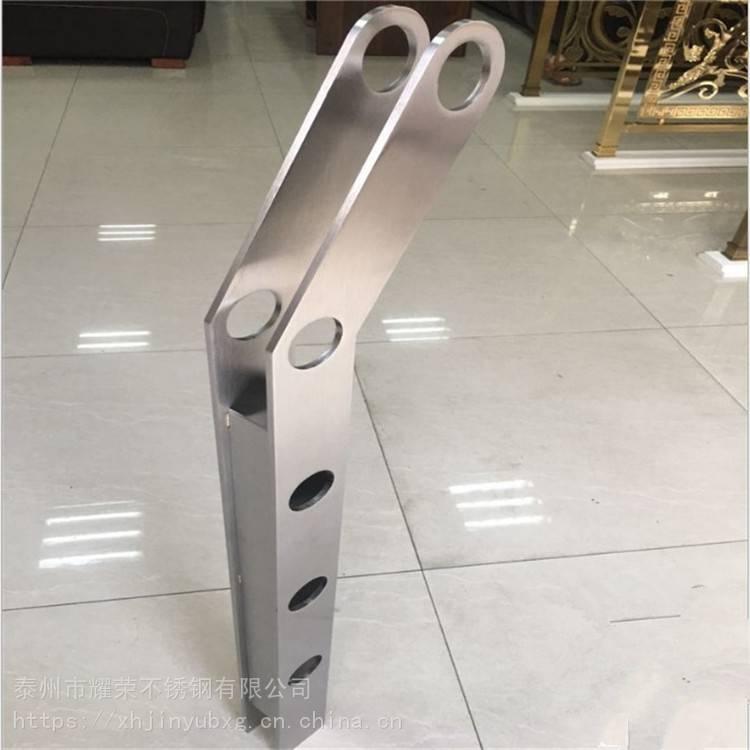 金聚进 不锈钢楼梯立柱玻璃栏杆扶手不锈钢空心扁管双夹工程立柱厂家直销