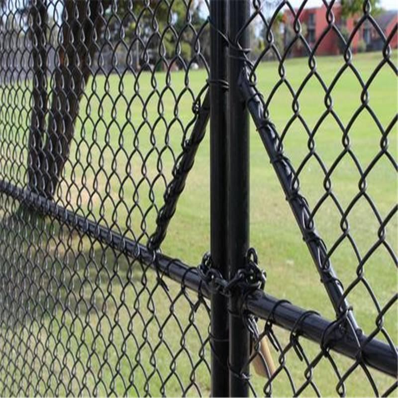 勾花体育场护栏 浸塑勾花网 3米高球场护栏