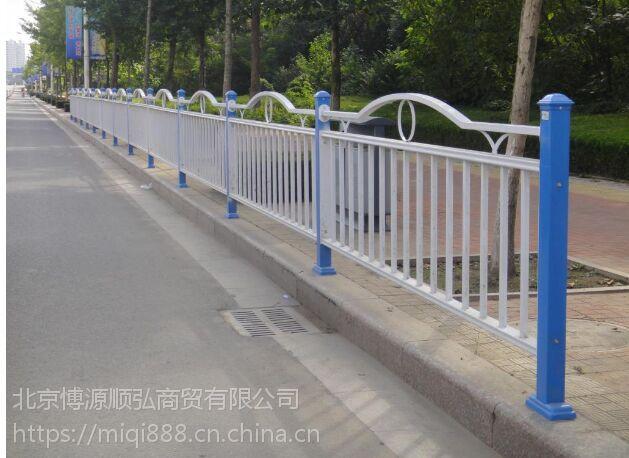 廊坊仿木纹交通护栏,HC廊坊锌钢道路围栏,安新喷塑京式隔离栏,Q235烤漆河道围栏,