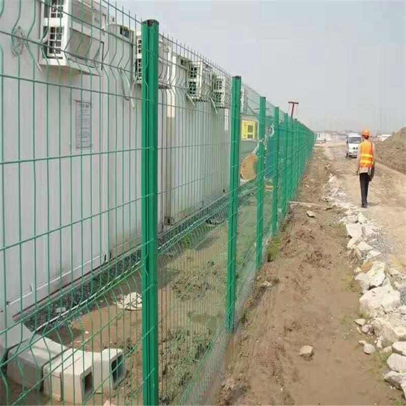 公园护栏网 折弯护栏网 围墙铁丝网哪里有卖