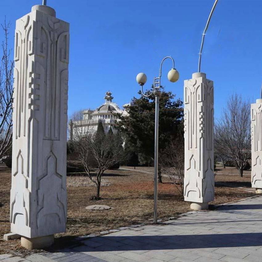 广场石雕龙柱 石材盘龙柱 公园石雕建筑