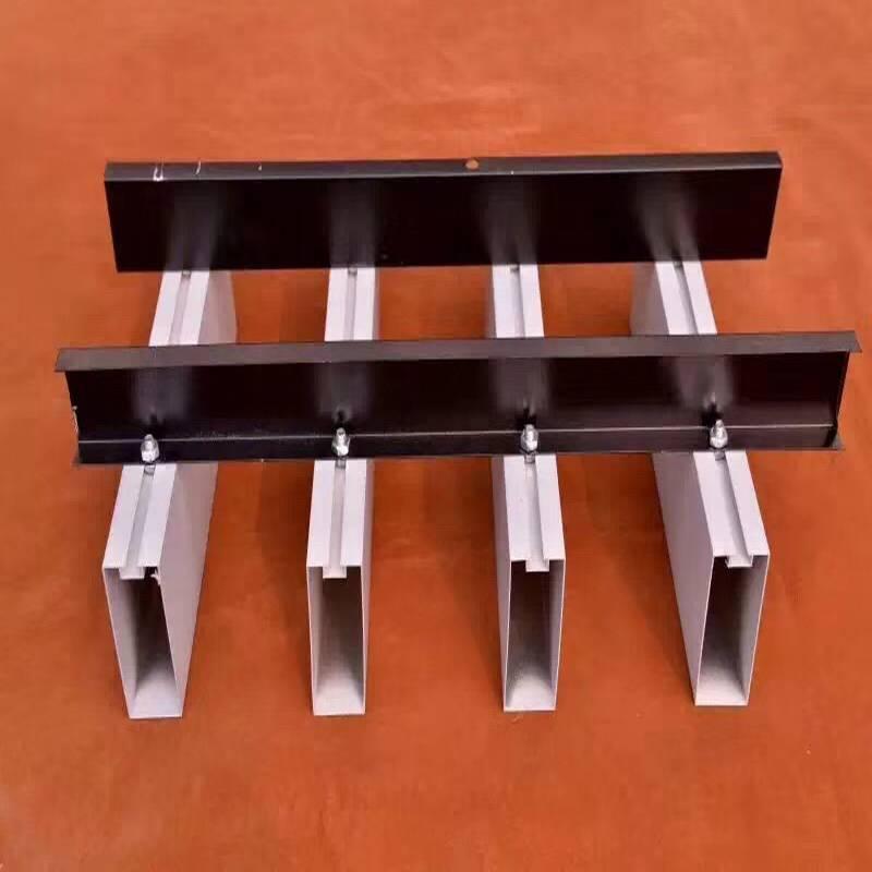 长期供应防火木纹铝方通吊顶材料 欧百建材