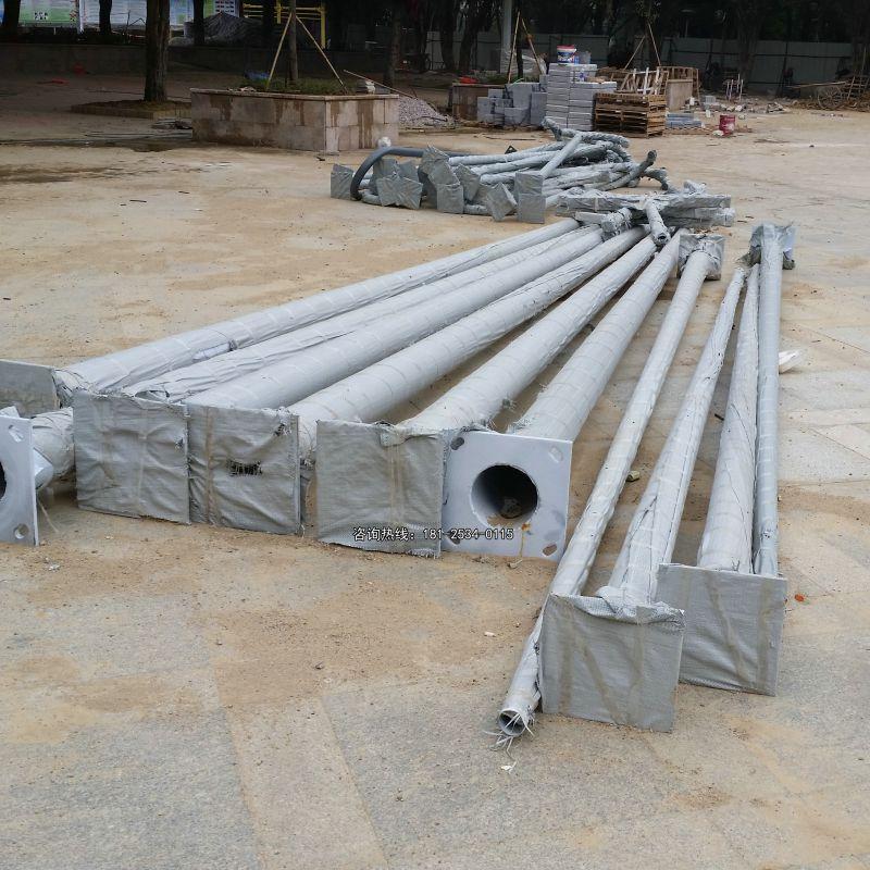 福建省足厚灯杆重量 Q235低碳钢灯杆厂家 篮球场直杆灯效果图