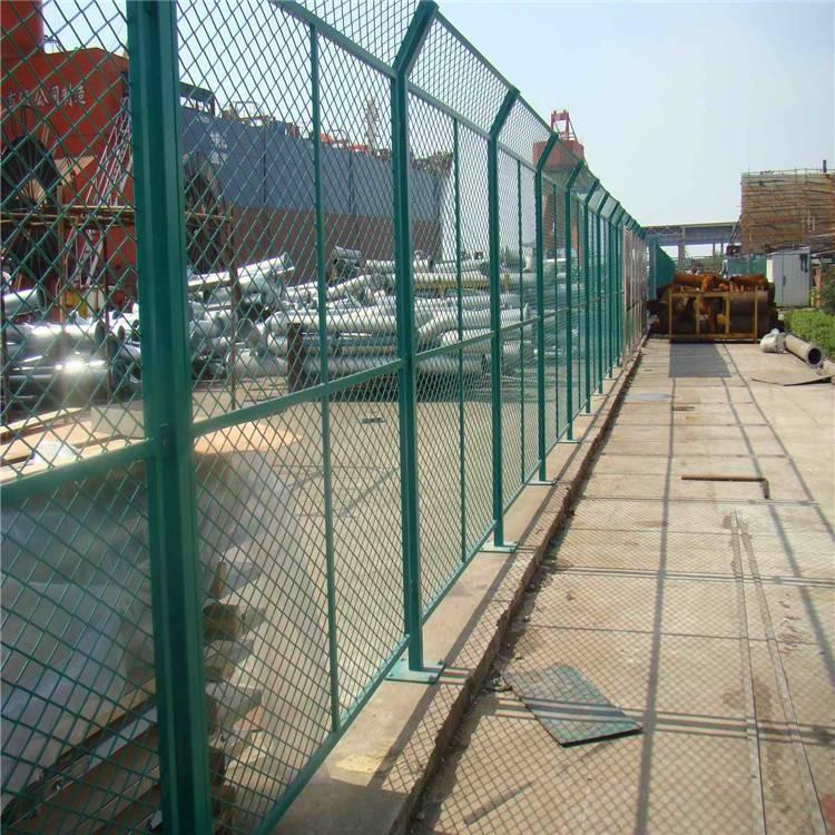 浸塑护栏网 绿色铁丝网 道路护栏网