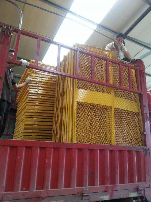 施工电梯安全门 楼层人货防护网门 黄色井口电梯防护门