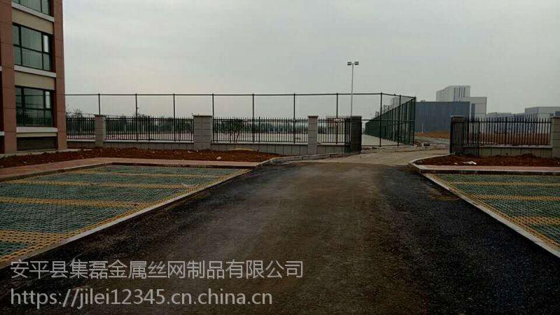湖南开心区运动场围网厂家施工安装介绍……安防13383382725