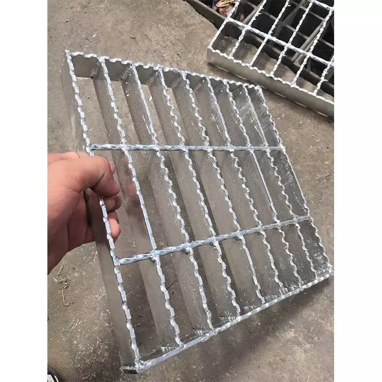 复合钢格栅板 钢格栅板标准 镀锌踏步板批发