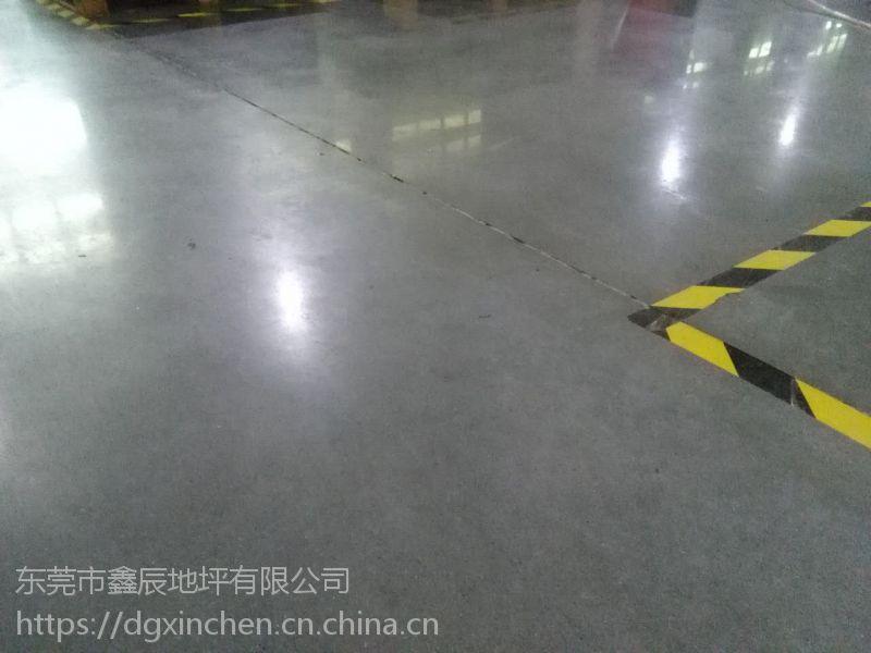 深圳龙岗水泥地翻新|盐田地面起粉尘处理|车间地面翻新