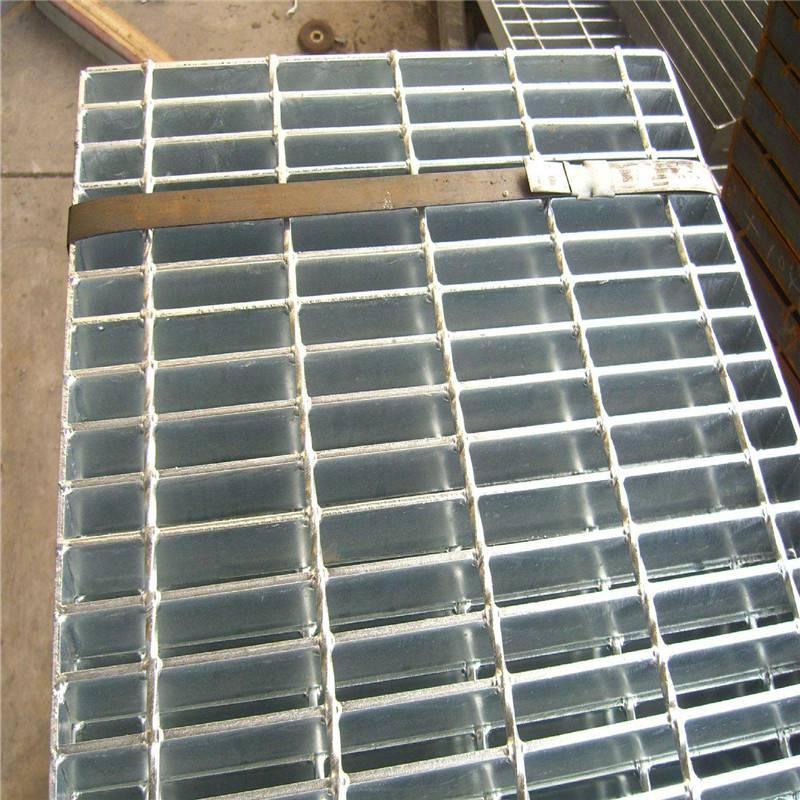 镀锌钢格板 复合钢格板厂家 楼梯平台踏步板