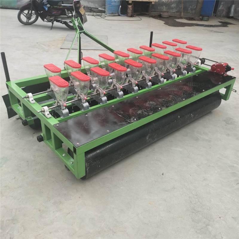 启航苜蓿草条播机 拖拉机六行谷子播种机 一次一粒娃娃菜精播机厂家