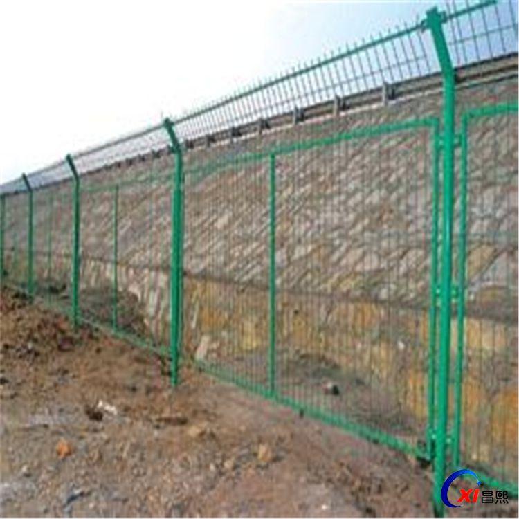 热销工程护栏网 绿色公路框架网围栏 厂家可定制