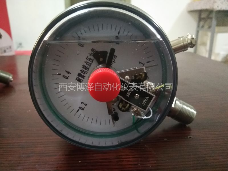YXC-150B不锈钢电接点压力表/1.6级M20*1.5螺纹连接