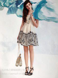 服装库歆艾品牌多种款式简约女装折扣店加盟代理女装货源批发