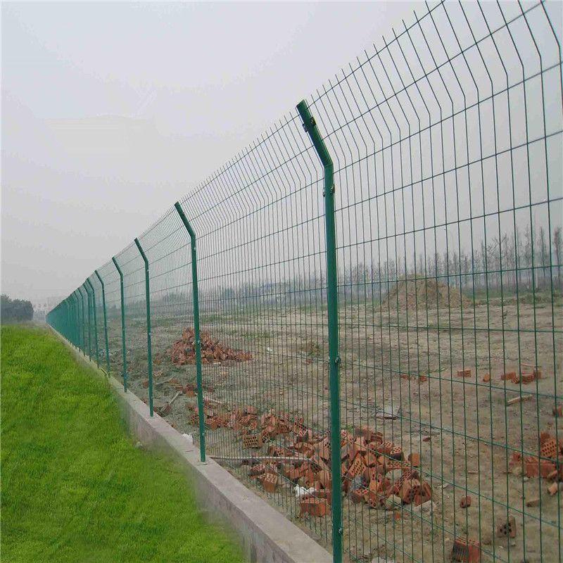 浸塑焊接网隔离栅 日照铁丝网隔离栅厂家-安平优盾电话