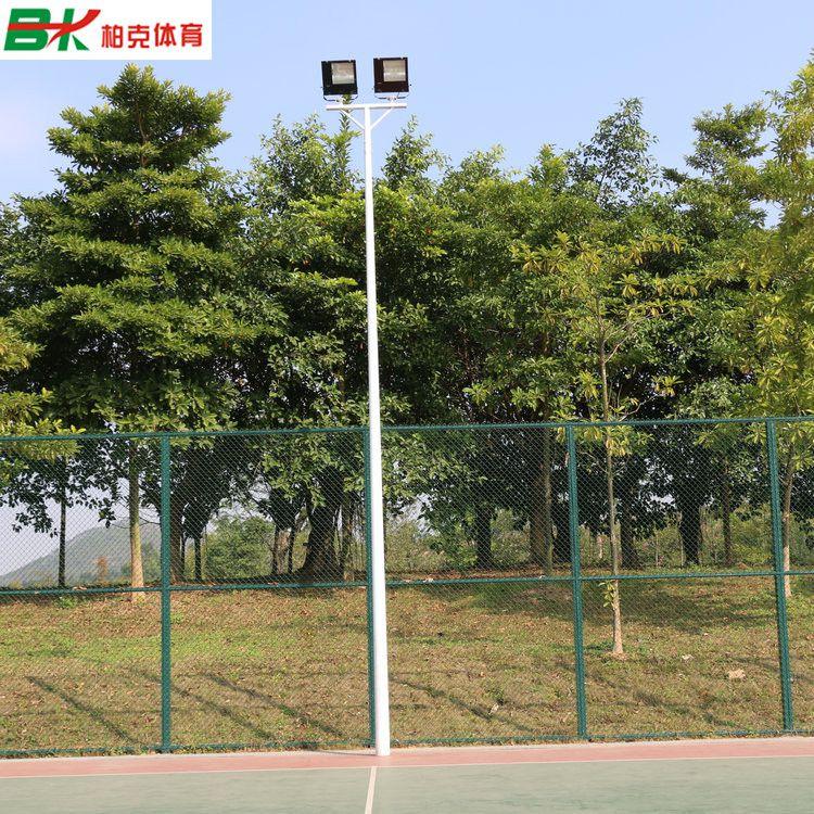 贵州6米球场灯杆批发/镀锌管球场灯杆安装 现货篮球场灯杆