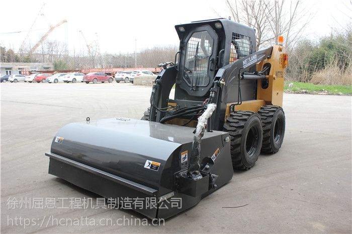 滑移装载机封闭式清扫器 HCN屈恩机具0202系列滑移清扫车价格