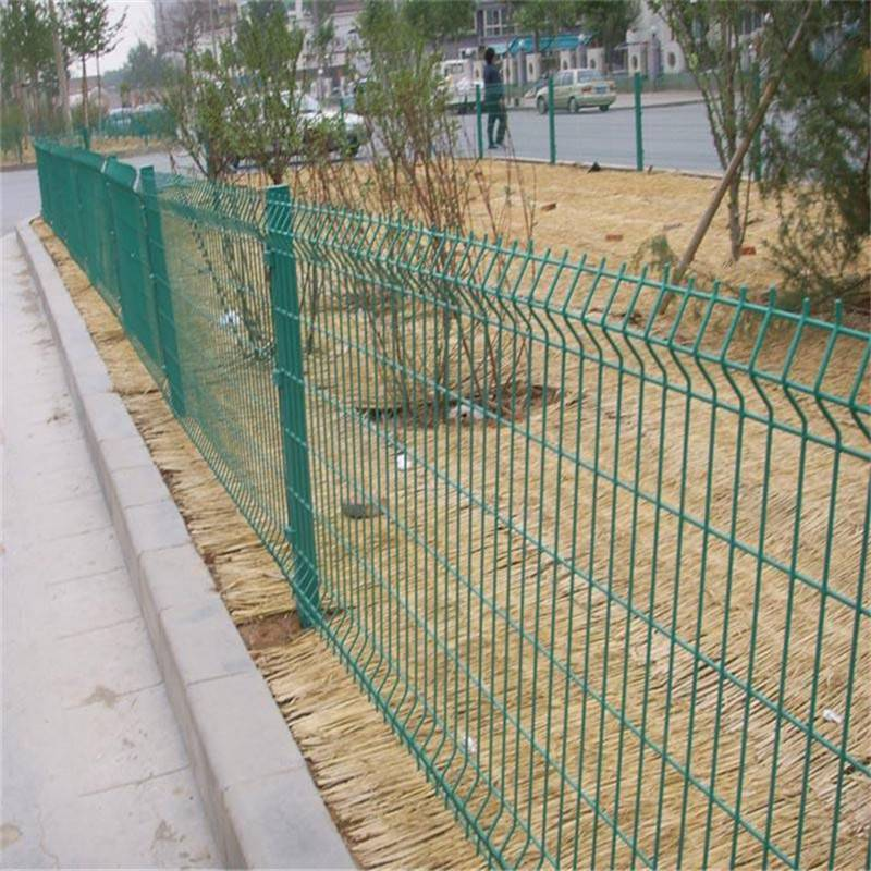 双边丝护栏网 农场防护网 钢丝隔离网