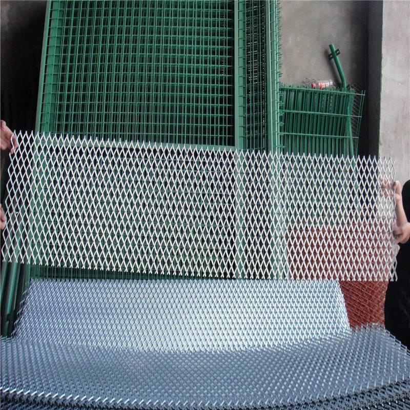 金属隔断墙 圈地用铁板网 绿化带防护网