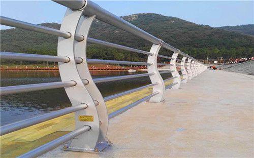 http://himg.china.cn/0/4_792_1049507_500_312.jpg
