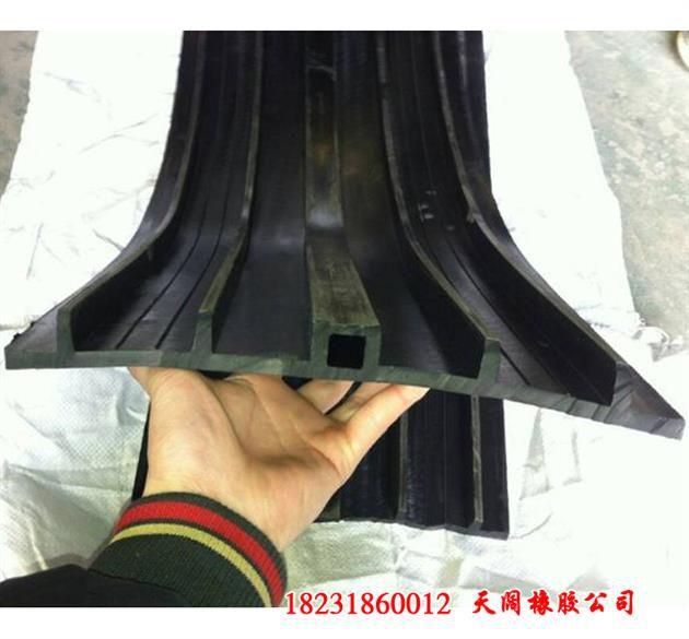 http://himg.china.cn/0/4_792_1077753_630_585.jpg