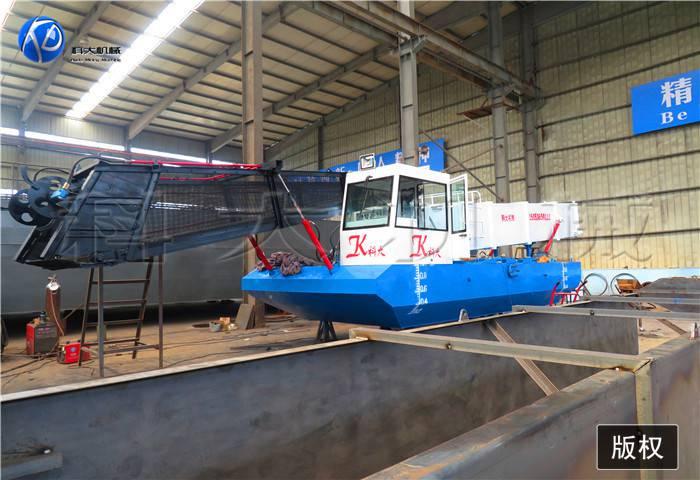 江西水葫芦清理船价格 收割水浮萍设备图片