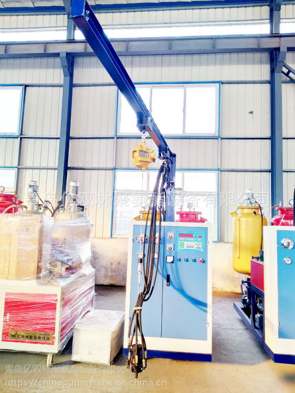 供应亿双林聚氨酯电热水器内胆发泡生产设备