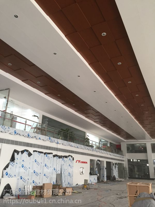 广州德普龙耐水不吸尘汽车店镀锌天花板吊顶价格合理欢迎选购