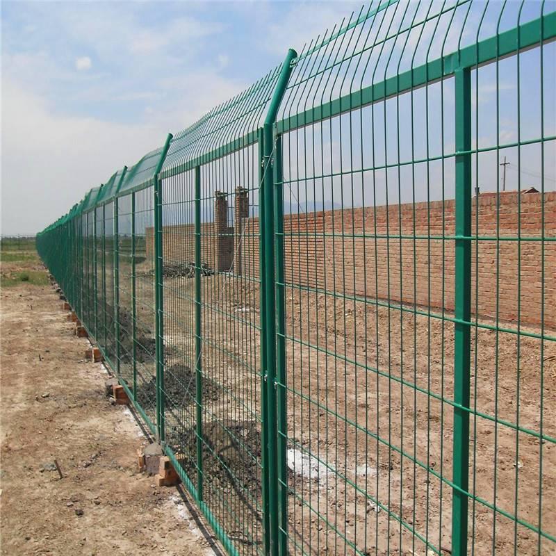 桃型柱护栏 三角折弯防护网 隔离栏