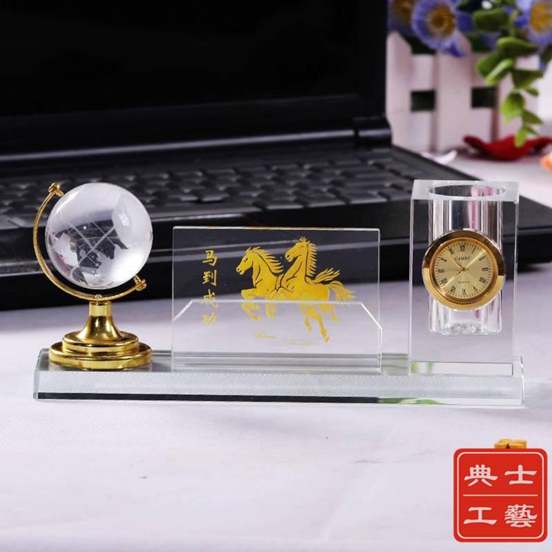 青岛市厂家定做实用水晶办公纪念品,商会会议庆典礼品,高性价比会议小礼品批发