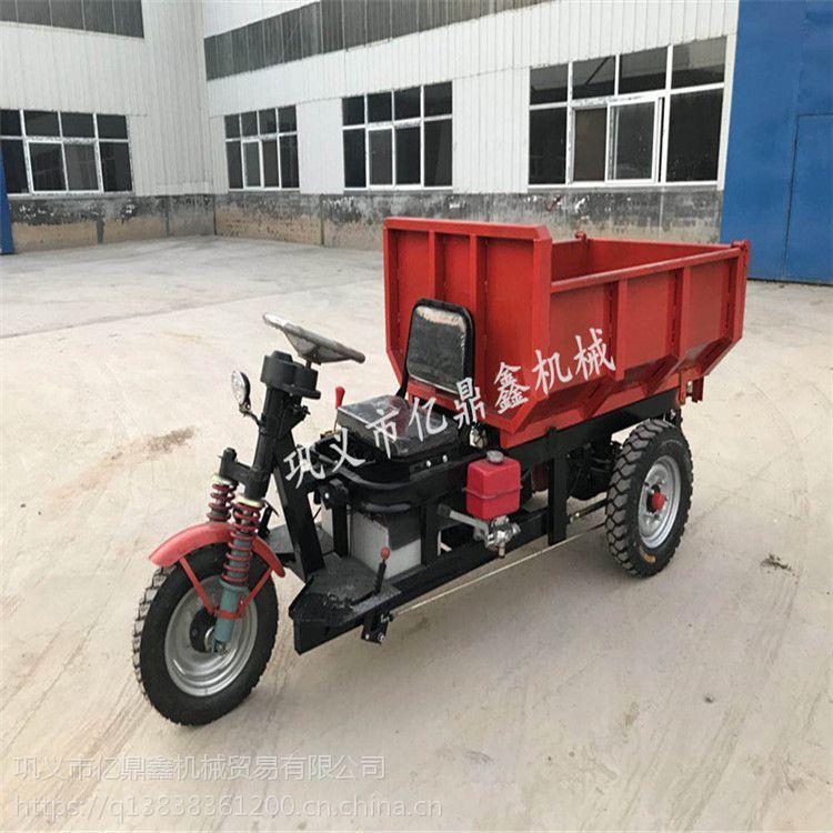 亿鼎鑫矿用电动车,采用进口变速箱及一线品牌电机和控制器,因此驱动运送物料有力,操作灵活方便