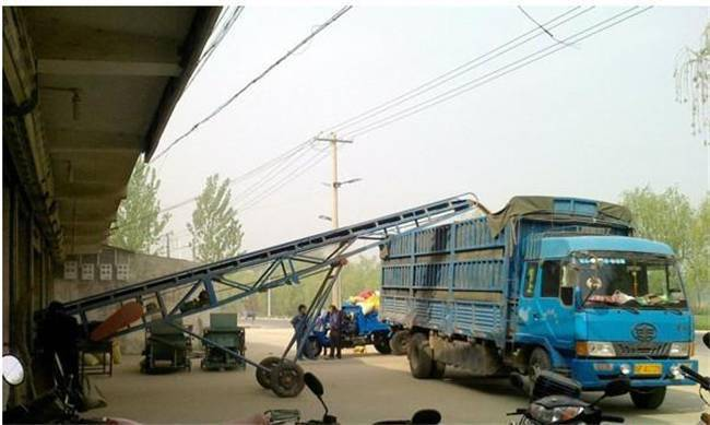 800带宽水泥装车皮带输送机 兴亚定做双翼型轮式皮带机