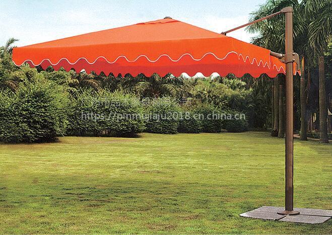 实物图海南岛三亚湾海滩、热带景区遮阳伞