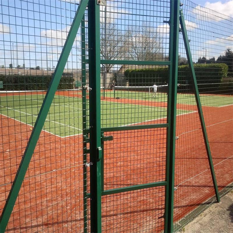 PVC护栏网 球场围栏网 道路隔离护栏