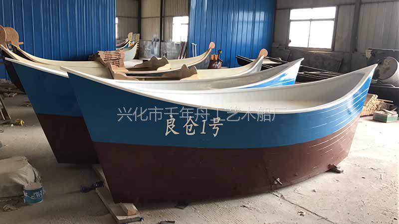 厂家直销沙滩景观船餐饮装饰船酒店海鲜船欧式海盗船