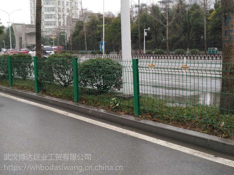 黄石公路护栏网哪里有好质量的出售?当然找个老厂家 直接生产厂家