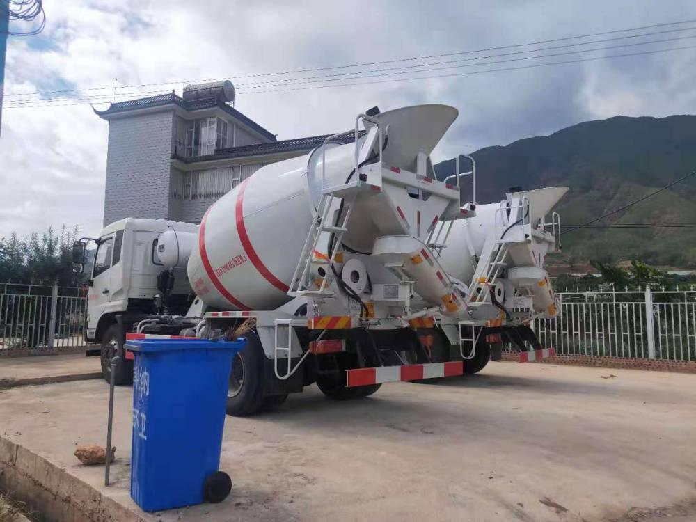 天津奥驰四方水泥罐车哪里有卖